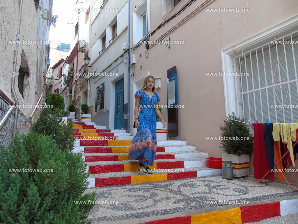 ein beliebtes Fotomotiv (11) | Die Spanische Treppe, eine beliebte Besucherattraktion in der Stadt Calpe an der Costa Blanca in Spanien