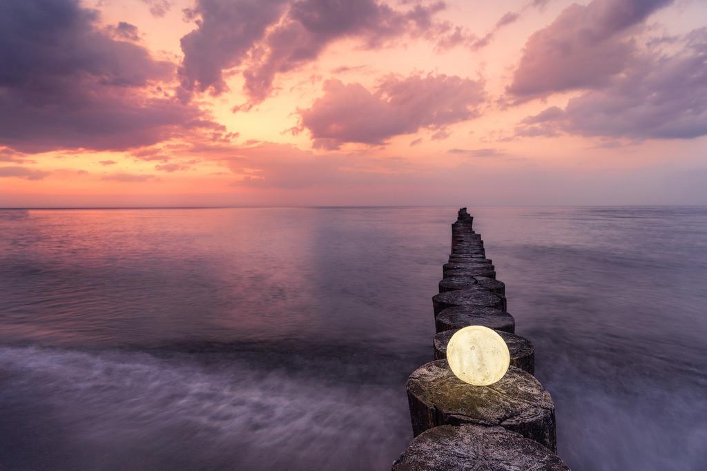 leuchtender Mond am Abend 2