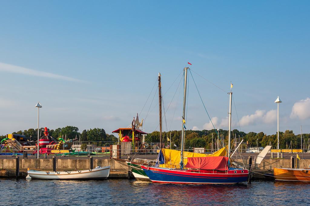 Segelschiffe im Stadthafen von Rostock   Segelschiffe im Stadthafen von Rostock.