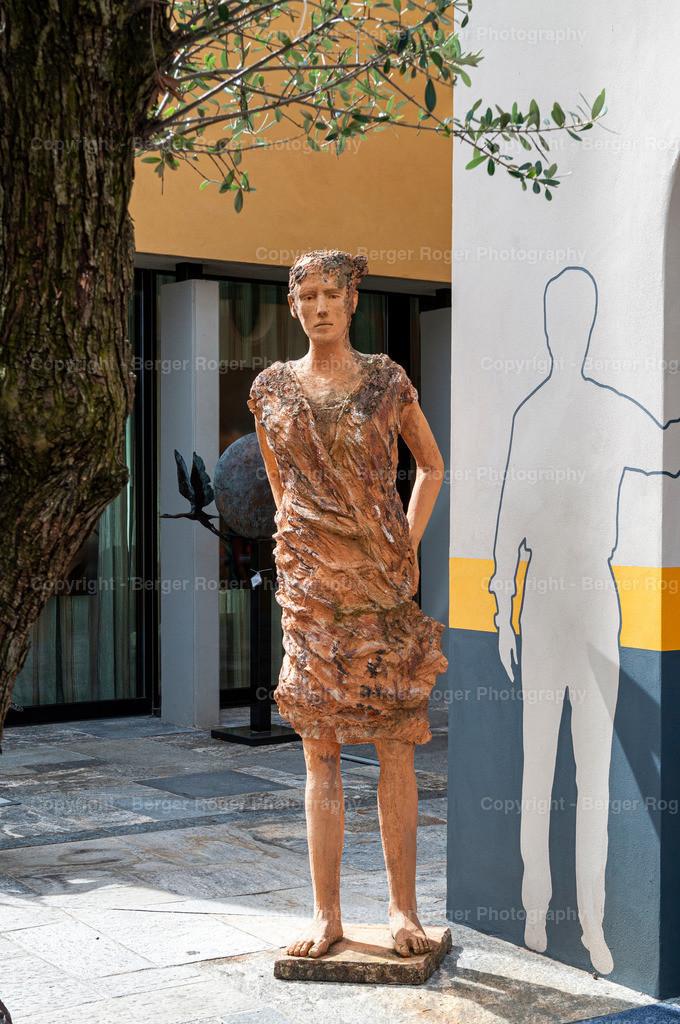 Skulptur Bettlerin | Bildmaterial für Fotografen, Webdesigner und Grafikdesigner zum weiterverarbeiten