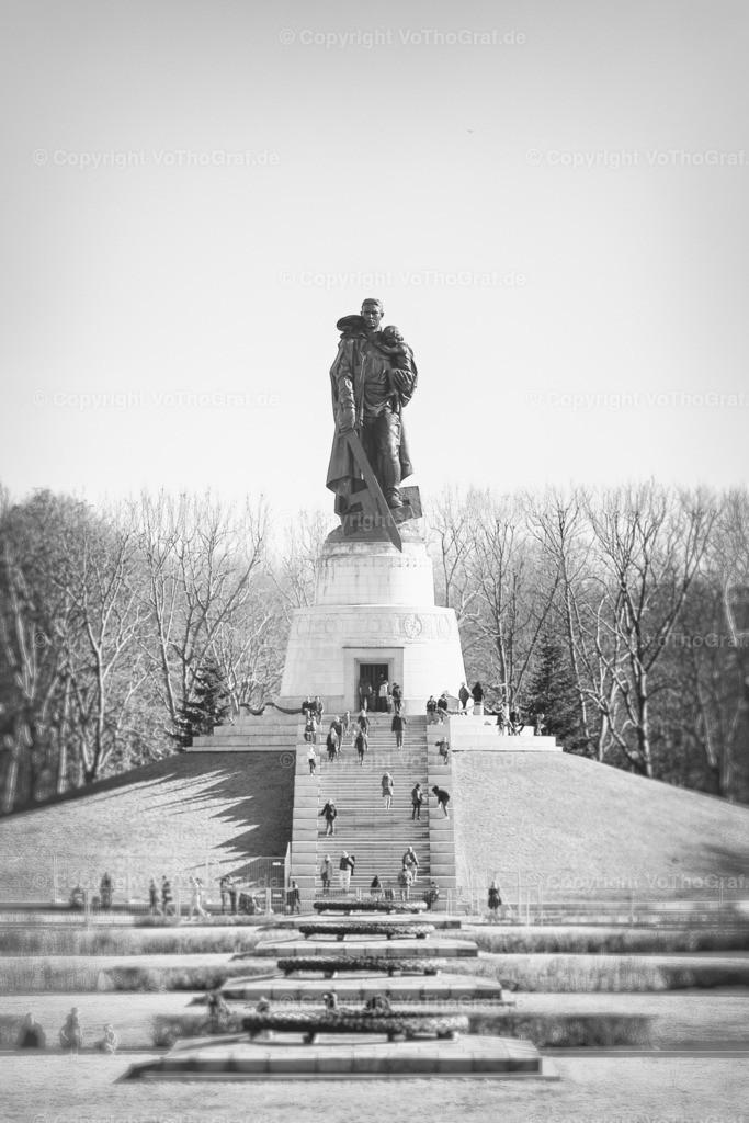 2021-02-21-064 | sowjetisches Ehrenmal in Berlin Treptow an einem sonnigen Februartag
