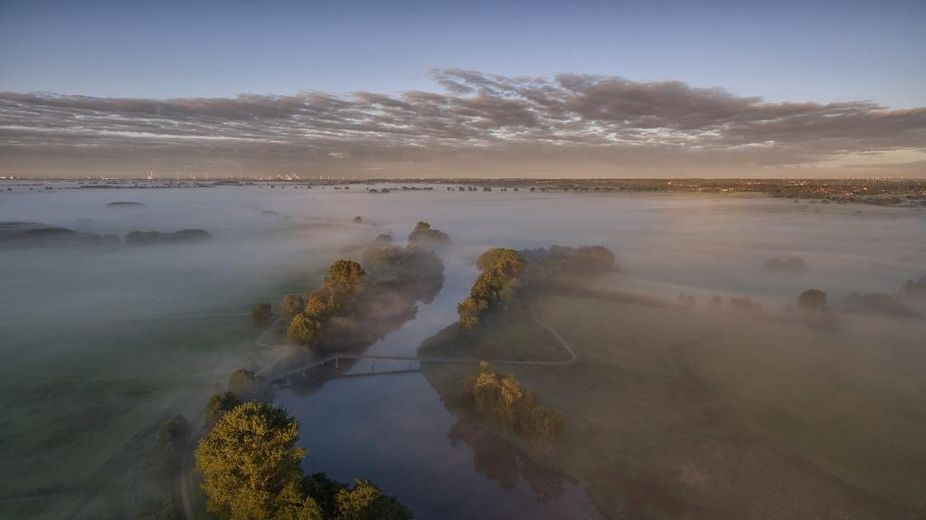 Die Hamme im Nebel   Luftaufnahme von der Hamme.