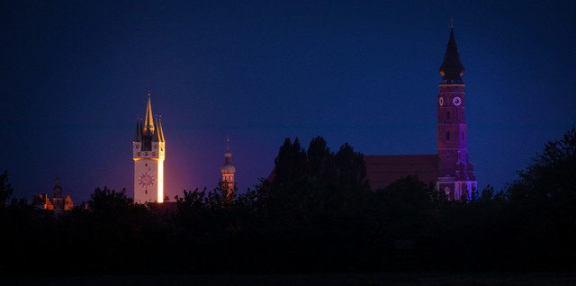 Straubing Skyline bei Nacht