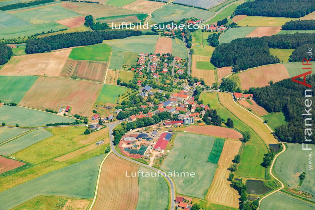 kleinweisach-vestenbergsgreuth-2015-4714 | Luftbild von Kleinweisach Vestenbergsgreuth - Luftaufnahme wurde 2015 von https://frankenair.de mittels Flugzeug (keine Drohne) erstellt - die Geschenkidee