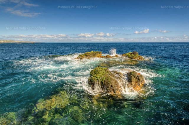 An der Küste in Garachico | Am Strand von Garachico im Nordwesten der Kanareninsel Teneriffa hat man diesen wunderschönen Blick auf das tiefblaue Meer