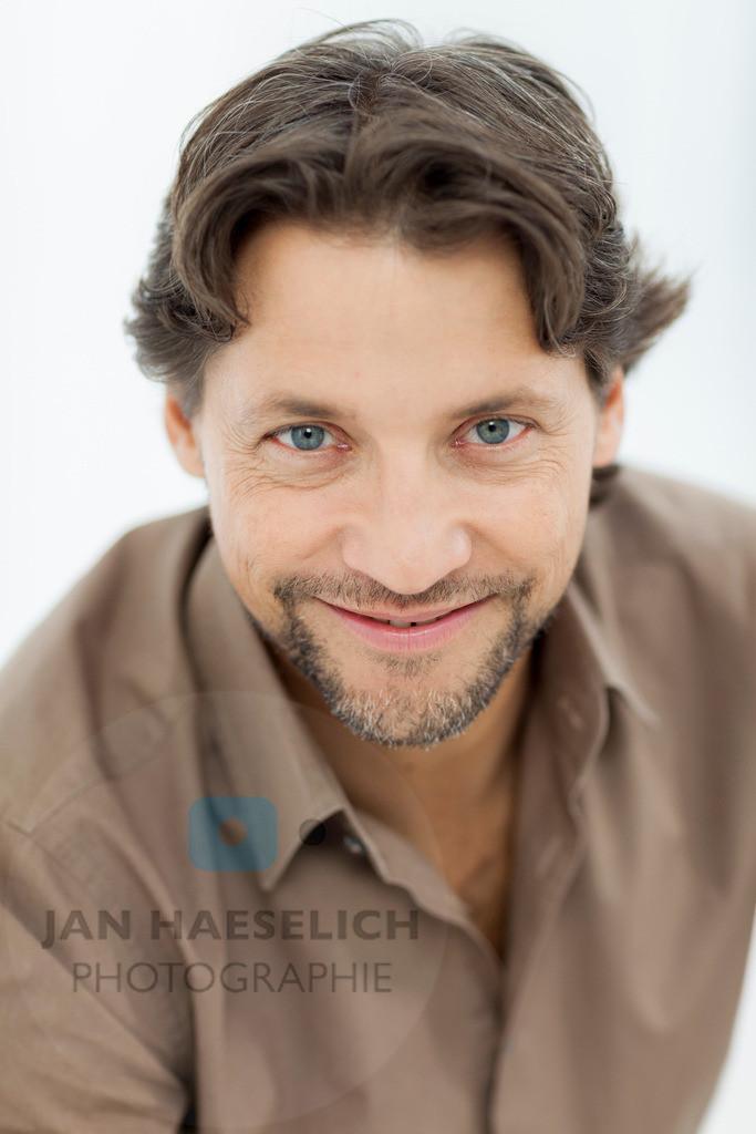 "Patrick Bach | Rote Rosen - Fototermin am 2.9.2013 in Hamburg. Die ARD-Telenovela ""Rote Rosen"