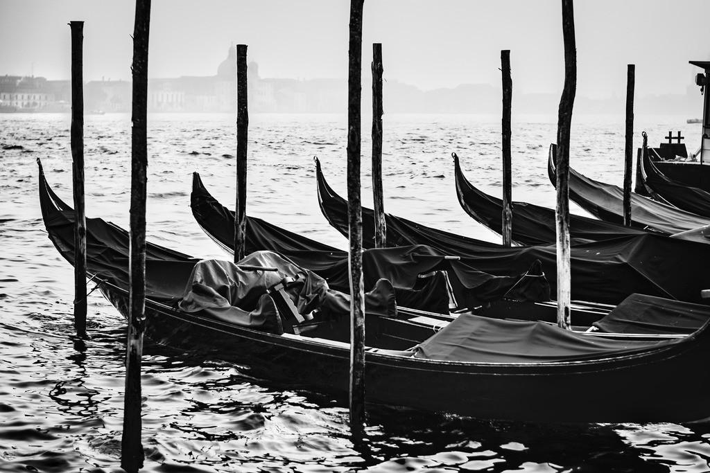 Venice-bnw-9