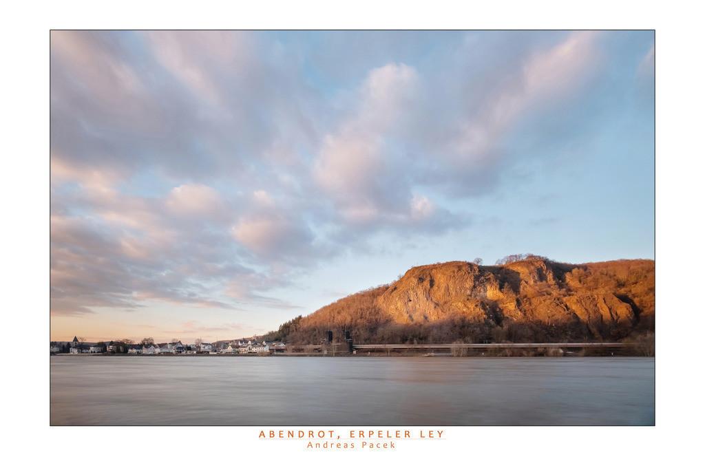 Abendrot, Erpeler Ley | Die Serie 'Leuchtender Rhein' zeigt den Rhein in leuchtenden Farben.