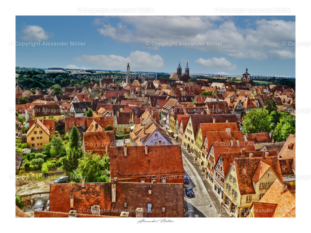 Rothenburg ob der Tauber No.92 | Dieses Werk zeigt den Blick vom Turm des Rödertors in die Rödergasse. Im Hintergrund ist die Stadtkirche, der Rathausturm und rechts der Weißeturm zu erkennen.