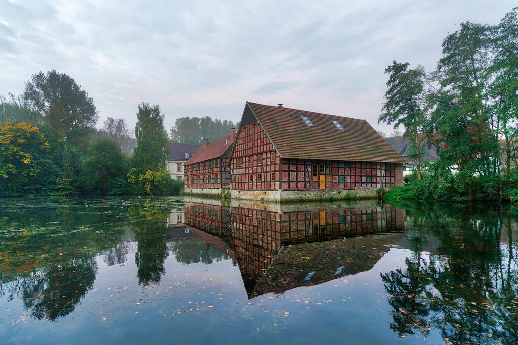 Meyerhof in Heepen | Meyerhof mit Teich in Heepen (Bielefeld).