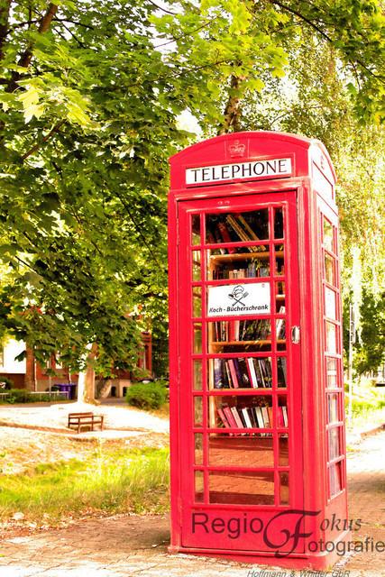 Bücherschrank | Bücherschrank in roter Telefonzelle in Bad Salzdetfurth