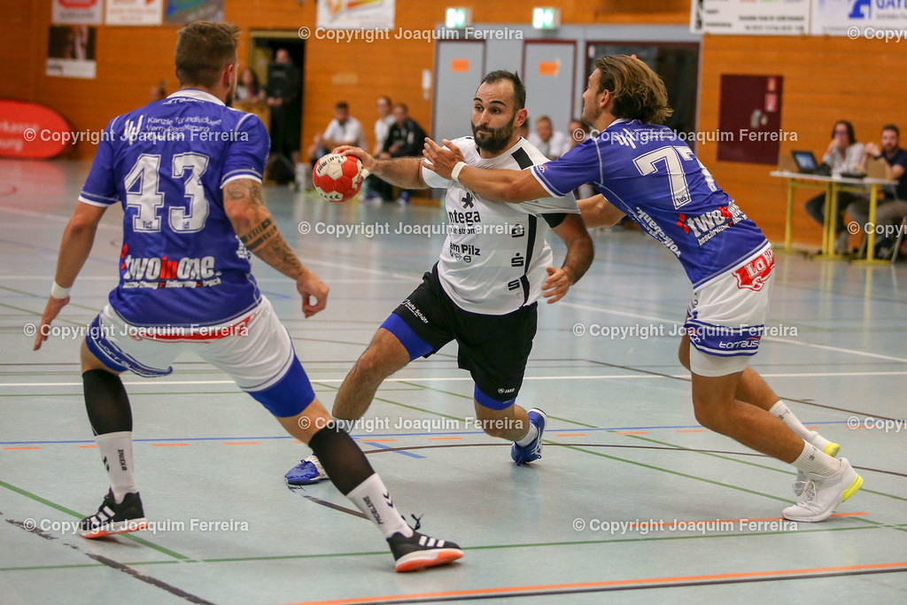 190913_msg_0247 | despor 2019.09.13 HHV Handball Männer Oberliga MSG Umstadt/Habitzheim gegen TuS Dotzheim emspor, emonline, despor,  v.l.,  Stefan Hollnack (MSG Umstadt/Habitzheim), David Asic (MSG Umstadt/Habitzheim),  #77 Max Kaczmarek (TUS Dotzheim), Zweikampf, Action, Aktion, Battles for the Ball Foto: Joaquim Ferreira