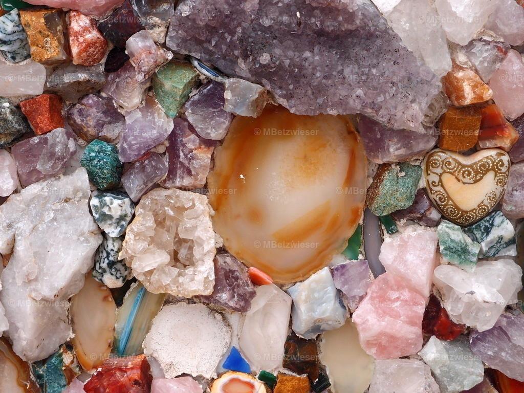 P6185969 | Interessante Kombination aus Steinen und Perlen