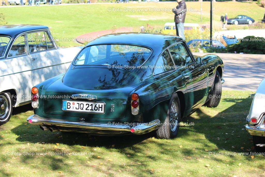Aston Martin DB 5 Saloon, 1963-1965 | Aston Martin DB 5 Saloon (DB = David Brown), Coupé 2 Türen, Farbe: British Racing Green (Dunkelgrün), Bauzeit des DB 5: 1963-1965, 6-Zylinder-Reihenmotor, Hubraum 3995 cm³, Leistung 286 PS (DIN), Vmax. 229 km/h, GB, Großbritannien, UK, United Kingdom