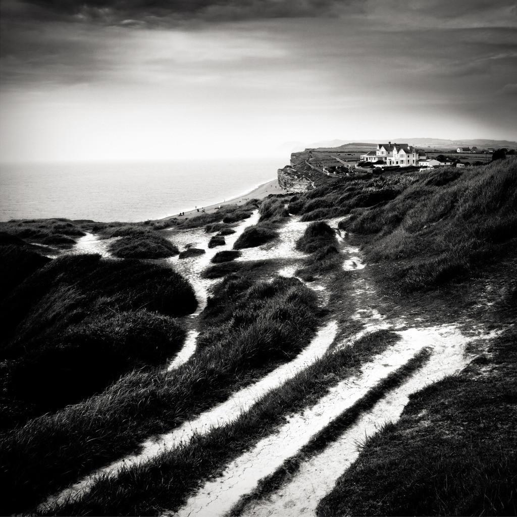 Coastal Path   Küstenweg auf den Klippen von Burton Bradstock, Devon, England, UK.
