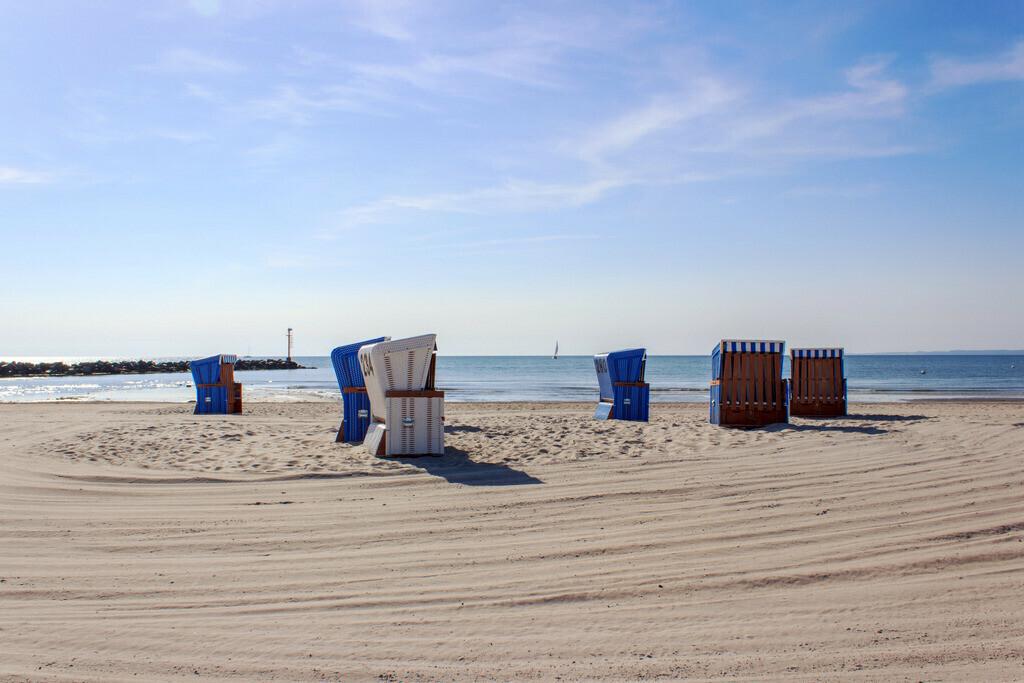 Strand in Damp   Strandkörbe am Strand in Damp