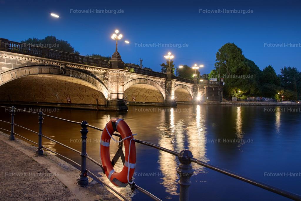 11770048 - Abend an der Lombardsbrücke