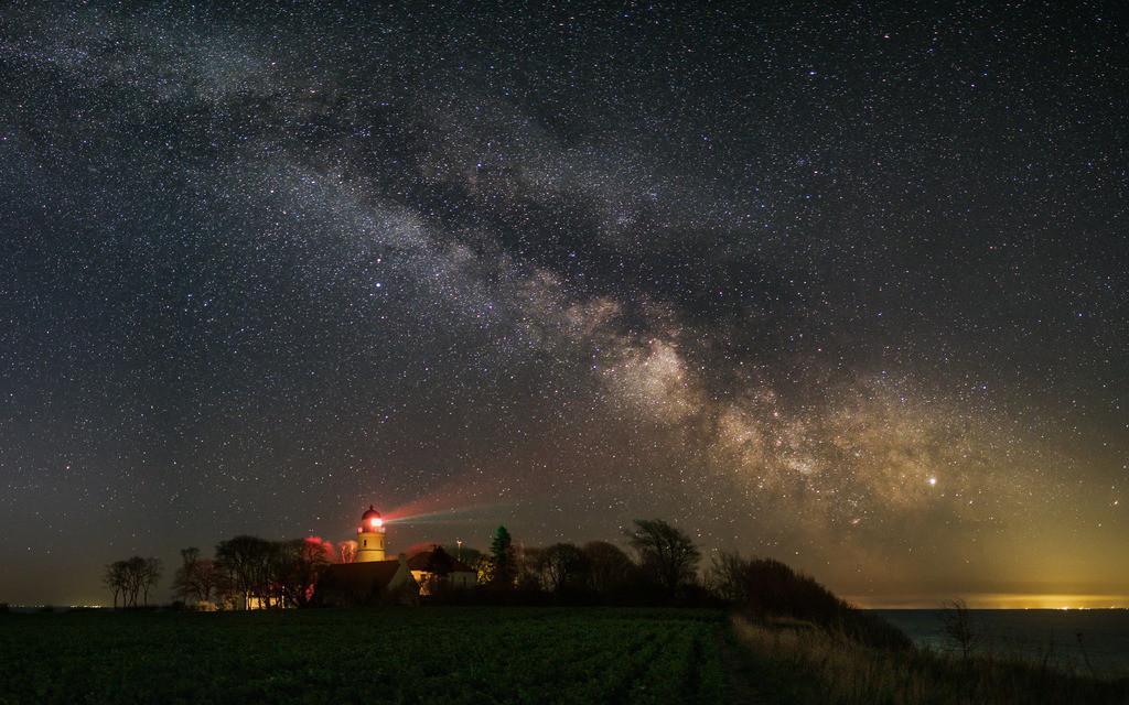 Kegnaes Starlight | Die Frühlingsmilchstraße über dem Leuchtturn von Kegnæs