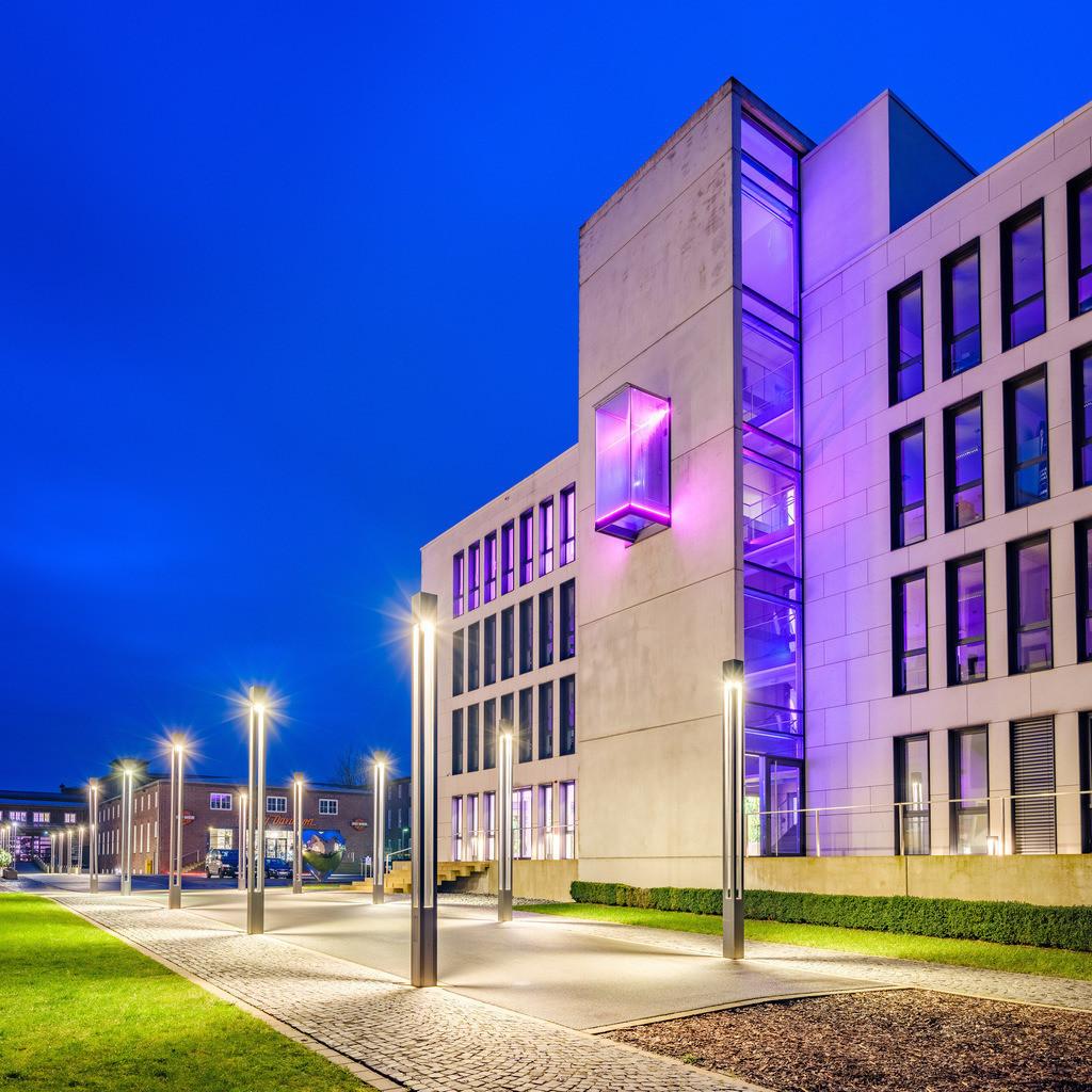 Lenkwerk in Bielefeld bei Nacht | Gebäude am Lenkwerk in Bielefeld bei Nacht.
