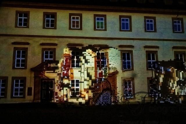 Dancing House 3 | Durch die aktive Teilnahme der Besucher lebt die Fassade am Domhof.