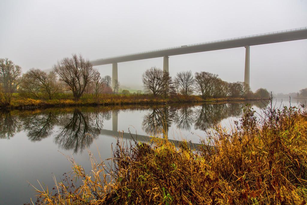 JT-131128-816 | Mülheim an der Ruhr,  Ruhrtalbrücke, Autobahnbrücke der A52, Herbst, Nebel,