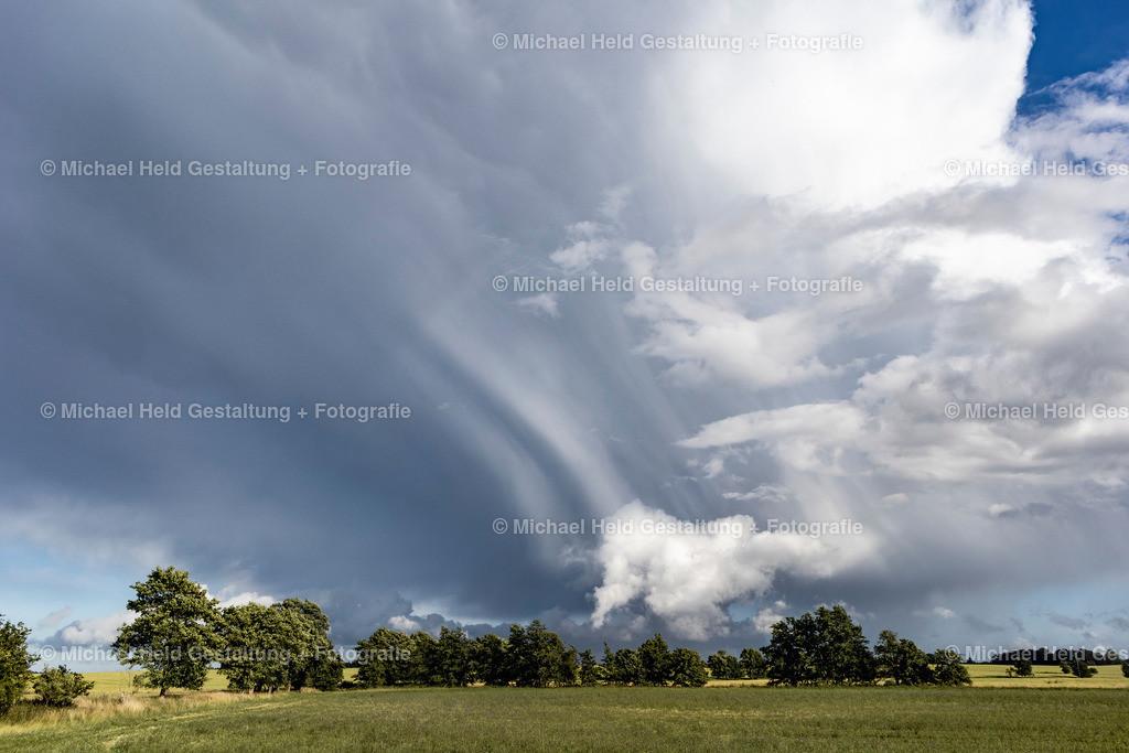 06 Juni | Wolkenhimmel bei Salzau | Ein Sommergewitter zieht auf über den Feldern bei Salzau