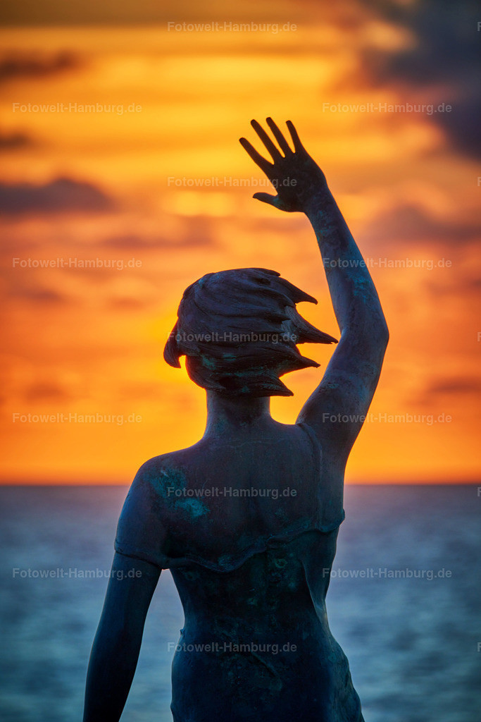 10180704 - Sonnengruß | Skulptur an der Strandpromenade in Westerland