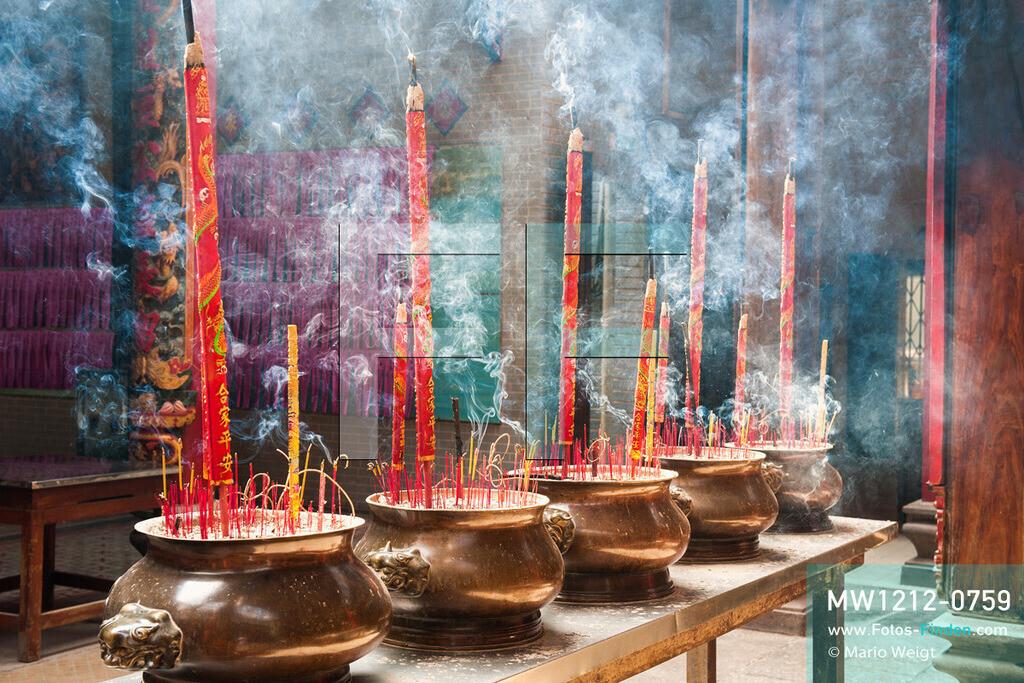 MW1212-0759 | Vietnam | Ho-Chi-Minh-Stadt | Meditative Fotos | Gespendete Räucherstäbchen im buddhistischen Thien-Hau-Tempel in Chinatown  ** Feindaten bitte anfragen bei Mario Weigt Photography, info@asia-stories.com **