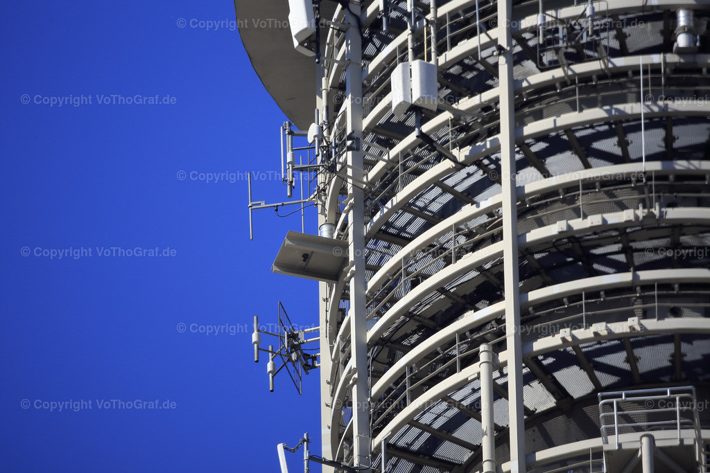 2015-06-05-5134 | der Antennenaufbau des Berliner Fernsehturm