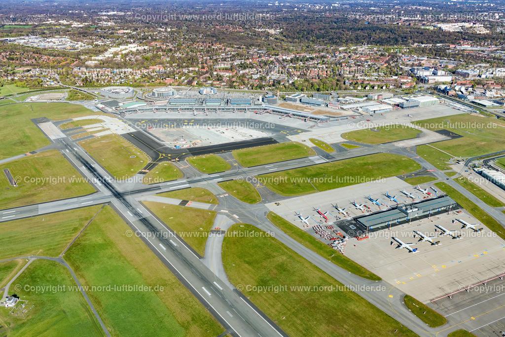 Hamburg Airport Fuhlsbüttel_ELS_5467180420 | Hamburg - Aufnahmedatum: 18.04.2020, Aufnahmehöhe: 443 m, Koordinaten: N53°37.782' - E9°58.898', Bildgröße: 7720 x  5146 Pixel - Copyright 2020 by Martin Elsen, Kontakt: Tel.: +49 157 74581206, E-Mail: info@schoenes-foto.de  Schlagwörter:Hamburg,Airport,Flughafen,Fuhlsbüttel,Landebahn,Terminal,Luftbild,Luftbilder,Deutschland
