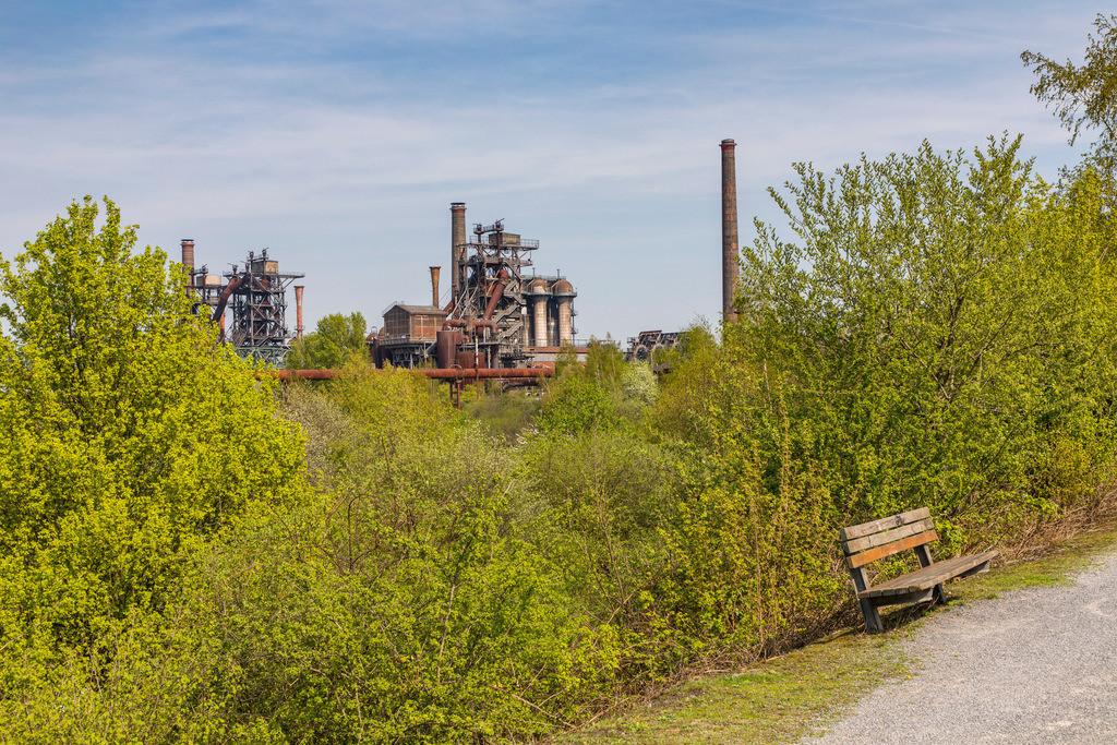 JT-180422-049   Landschaftspark Duisburg, Nord, ehemaliges Hüttenwerk, in Duisburg Meidrich, Hochöfen, Radweg,