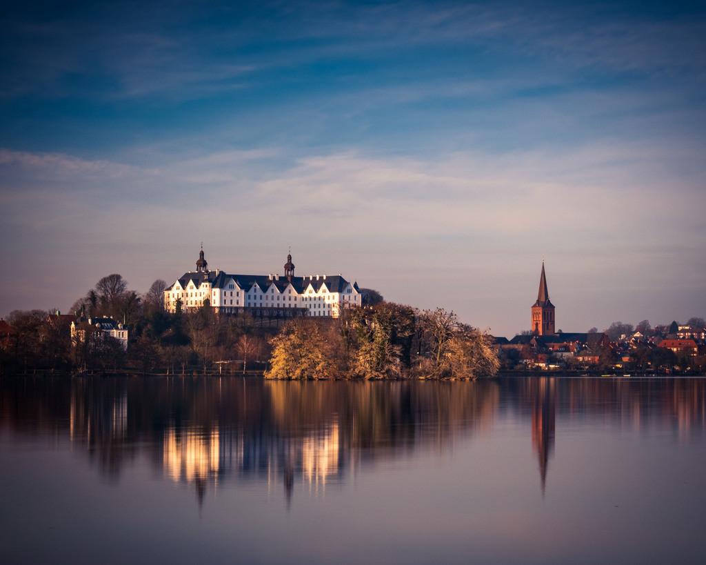 The Castle | Schloss Plön an einem dunstigen Winternachmittag.