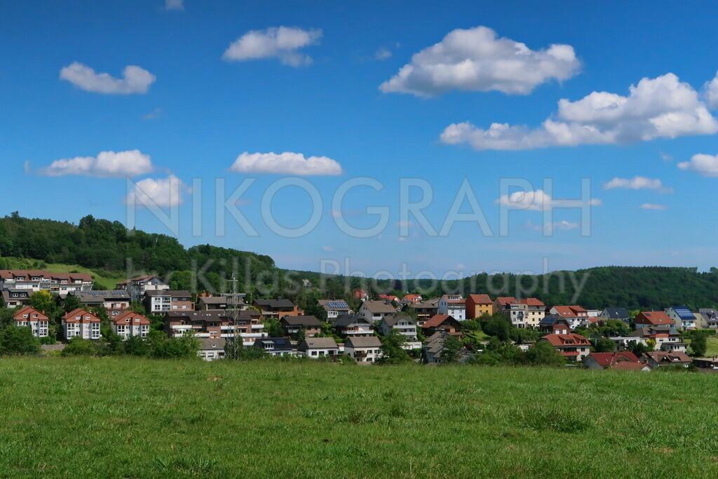 Wohnsiedlung in Hemer | Eine Wohnsiedlung in Hemer, eingebettet zwischen Wiese und Wald.