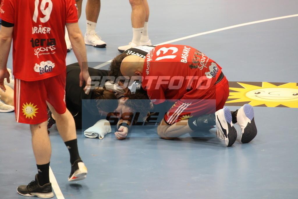 TUS N. Lübbecke - VFL Gummersbach | Timm Schneider am Biden . © by K-Media-Sports / Sportfoto-Sale.de
