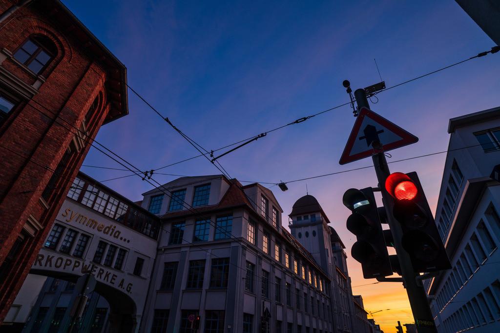 Kreuzung an der Nikolaus-Dürkop-Straße | Kreuzung an der Nikolaus-Dürkop-Straße in Bielefeld am frühen Morgen.