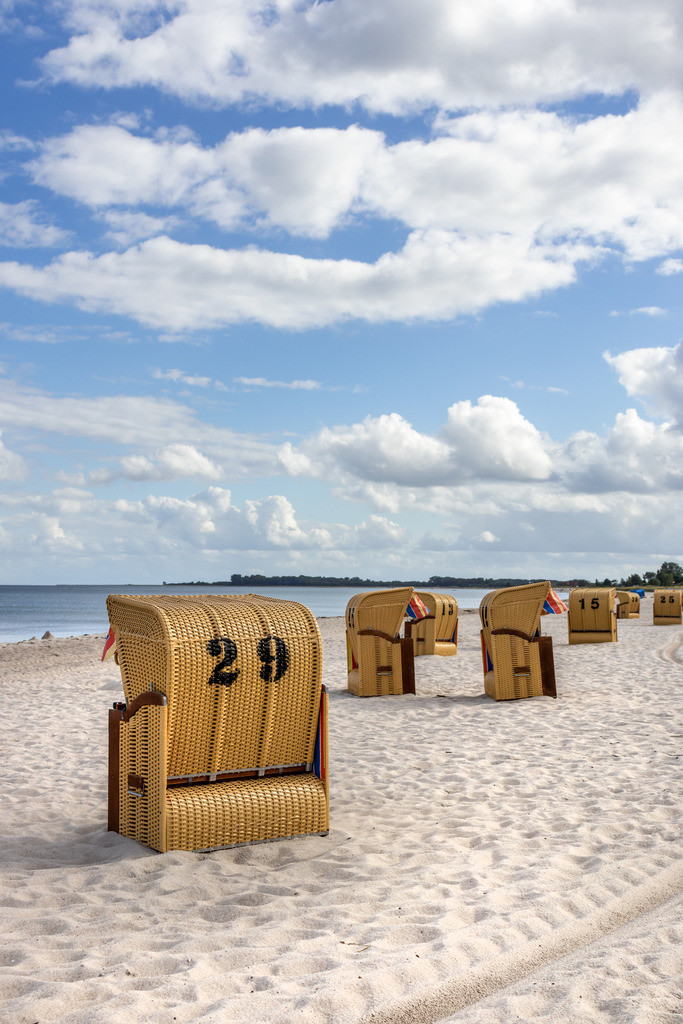 Strandkörbe an der Ostsee   Sommer am Ostseestrand