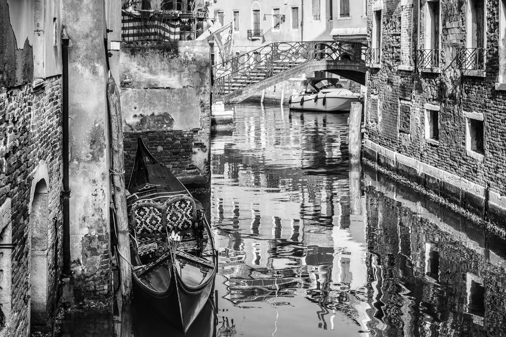 Venice-bnw-2(1)
