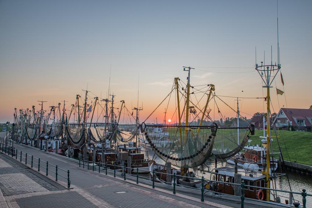 Hafen 011 | Sonnenaufgang im Greetsieler Hafen