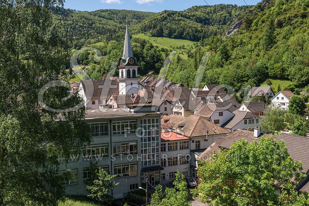 Städtchen Waldenburg (BL) | Blick auf das kleine Städtchen Waldenburg im Kanton Baselland.