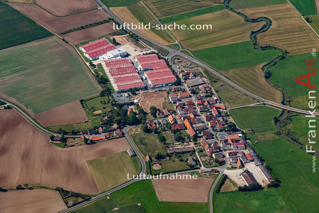 demantsfuerth-19-570   aktuelles Luftbild von Demantsfuerth   - Luftaufnahme wurde 2019 von https://frankenair.de mittels Flugzeug (keine Drohne) erstellt.
