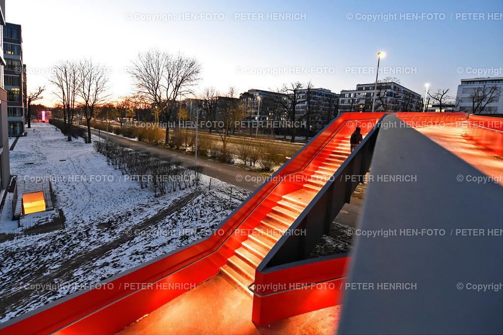 Fussgänger- und Radfahrerbrücke über die Rheinstrasse in Darmstadt ©HEN-FOTO Peter Henrich   Fuss- und Radwegbrücke über die Rheinstrasse in Darmstadt mit Blickrichtung Norden 12.02.2021 ©HEN-FOTO Peter Henrich