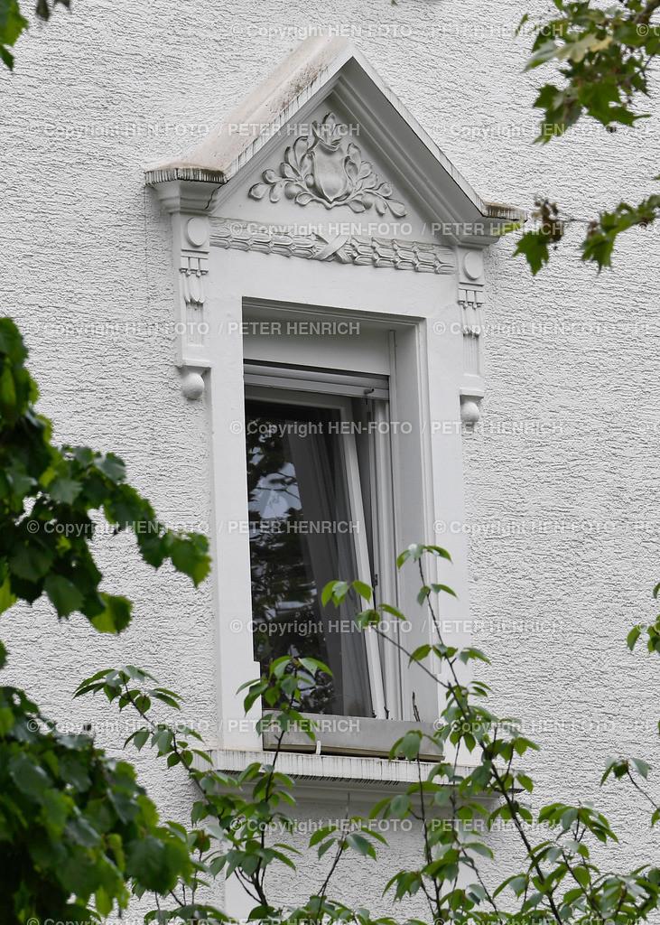 Fenster Verzierung im Rhönring Darmstadt copyright by HEN-FOTO   Fenster Verzierung im Rhönring Darmstadt 03.06.2021 copyright by HEN-FOTO Peter Henrich