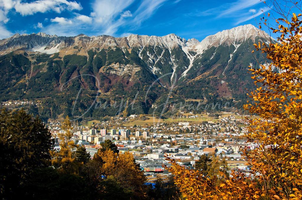 Herbst in Innsbruck | Blick vom Schloss Ambras zur Nordkette