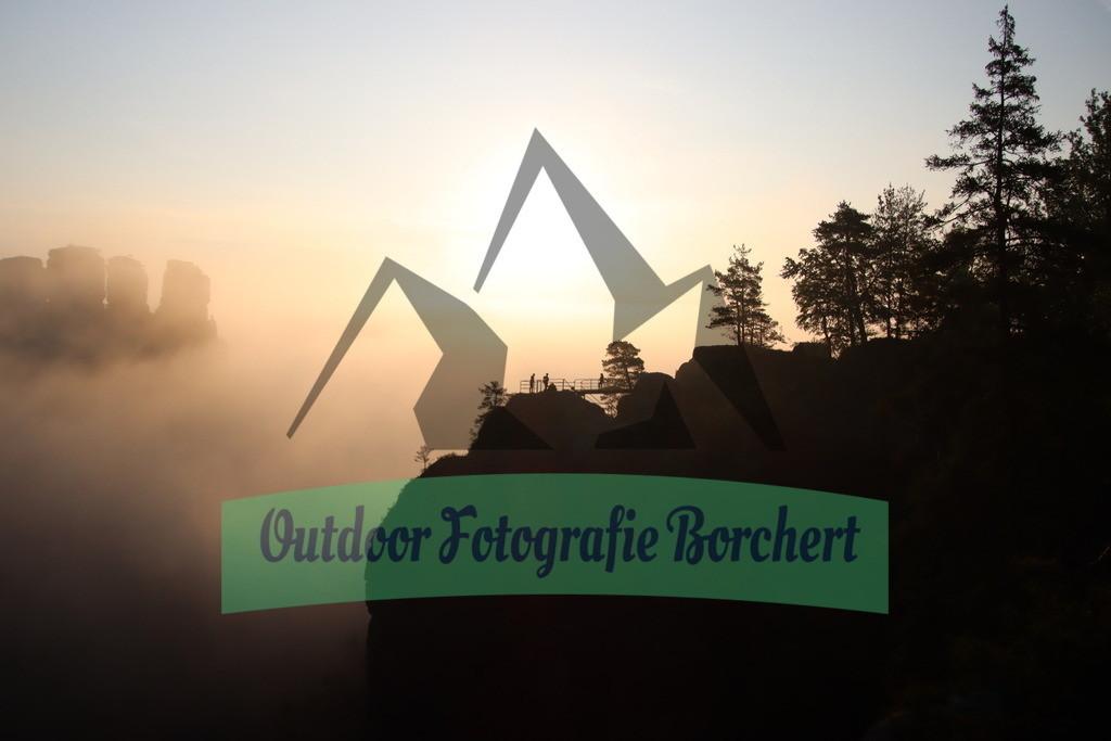 Bastei_Gaense_Burg_neurahten_Sonnenaufgang_Nebel_altIMG_1160 | Blick von der Basteibrücke in Richtung Gänse und Burg Neurahten Sächische Schweiz