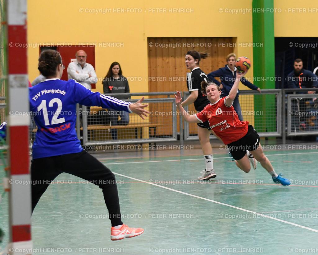 Handball Landesliga Frauen TSV Pfungstadt - TGB Darmstadt (22:30) 20190323 - copyright HEN-FOTO (Peter Henrich)   Handball Landesliga Frauen TSV Pfungstadt - TGB Darmstadt (22:30) 20190323 li 12 Lea Sonek (TGB) re 10 Ronja Denzer (TSV) copyright HEN-FOTO (Peter Henrich)