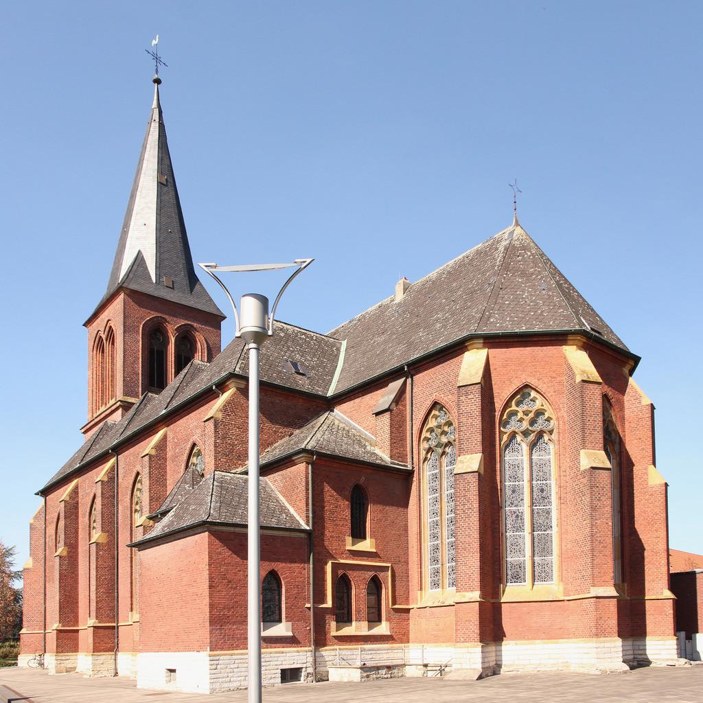 2-Westkirchen-Kirche-Pano8920_8921_1x1-col