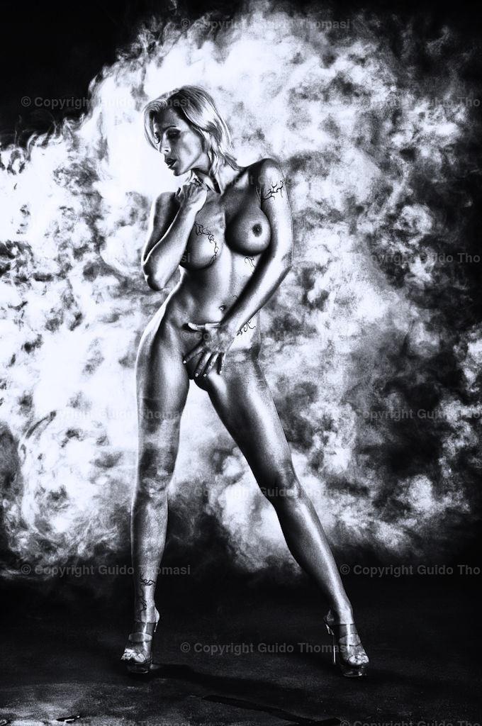 Schwarzweiß Poster | Schwarzweiß aktfoto mit Jenna James
