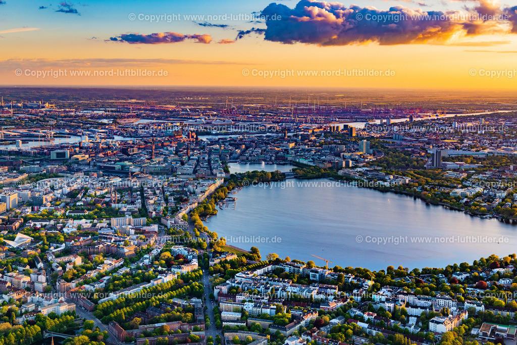 Hamburg Uhlenhorst Alster_D_ELS_3062050520 | Hamburg - Aufnahmedatum: 05.05.2020, Aufnahmehöhe: 484 m, Koordinaten: N53°34.527' - E10°02.146', Bildgröße: 7894 x  5263 Pixel - Copyright 2020 by Martin Elsen, Kontakt: Tel.: +49 157 74581206, E-Mail: info@schoenes-foto.de  Schlagwörter:Hamburg,Uhlenhorst,Luftbild, Luftbilder, Deutschland