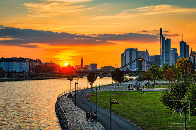 Sonnenuntergang - Weseler Werft