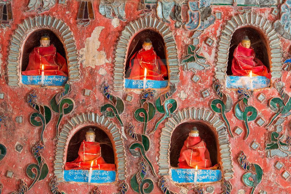 MW0115-9096 | Myanmar: Buddha-Statuen in einem Kloster am Inle-See